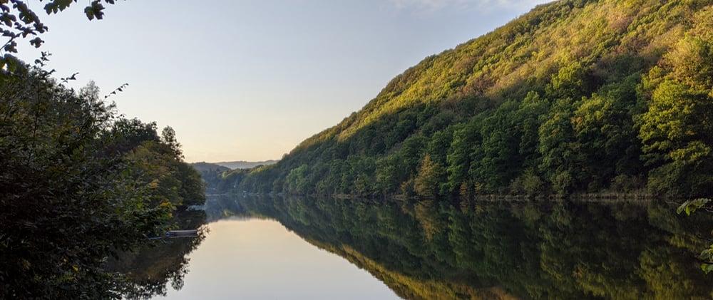 Naturverbundenheit - Natur, See, Berge, Bäume